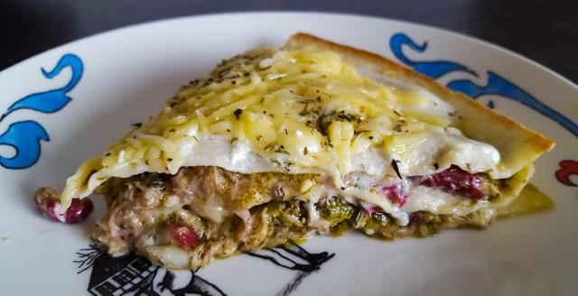 Wrap Taart met Tonijn, Pesto en Zure Room