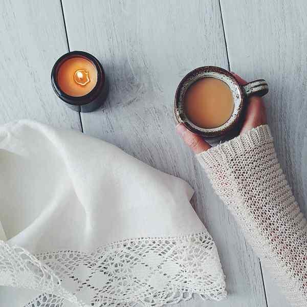 Het Verhaal achter de Aromatische Kaarsen van 'The Smallest Light' | Interview