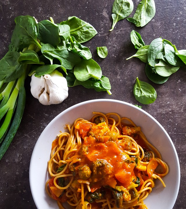 Vegetarische Spelt Spaghetti met Spinazie en Broccoli